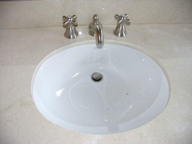 Small Bathroom Undermount Sinks